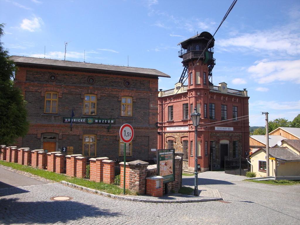 """""""Hornické muzeum Příbram"""" od Václav Bešťák – Vlastní soubor. Licencováno pod Creative Commons Attribution 3.0 via Wikimedia Commons"""